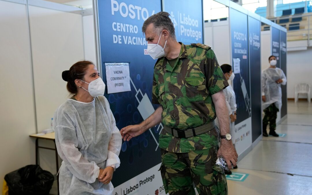 Naval officer wins praise for Portugal's vaccine rollout